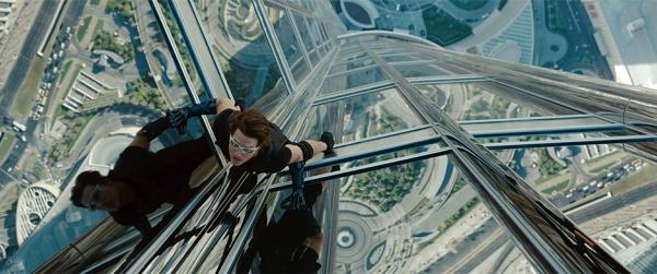 Tom-Cruise-in-Mission-Impossible-Ghost-Protocol-2011-Movie-Image-2