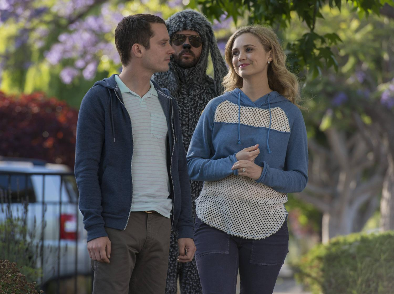 "INTERVIEW – 'Wilfred' stars Fiona Gubelmann and Chris Klein talk relationships and ""Heroism."""